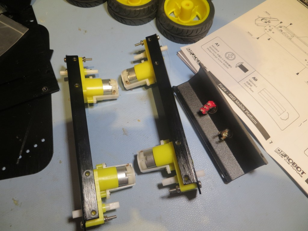 Motors installed in side plates