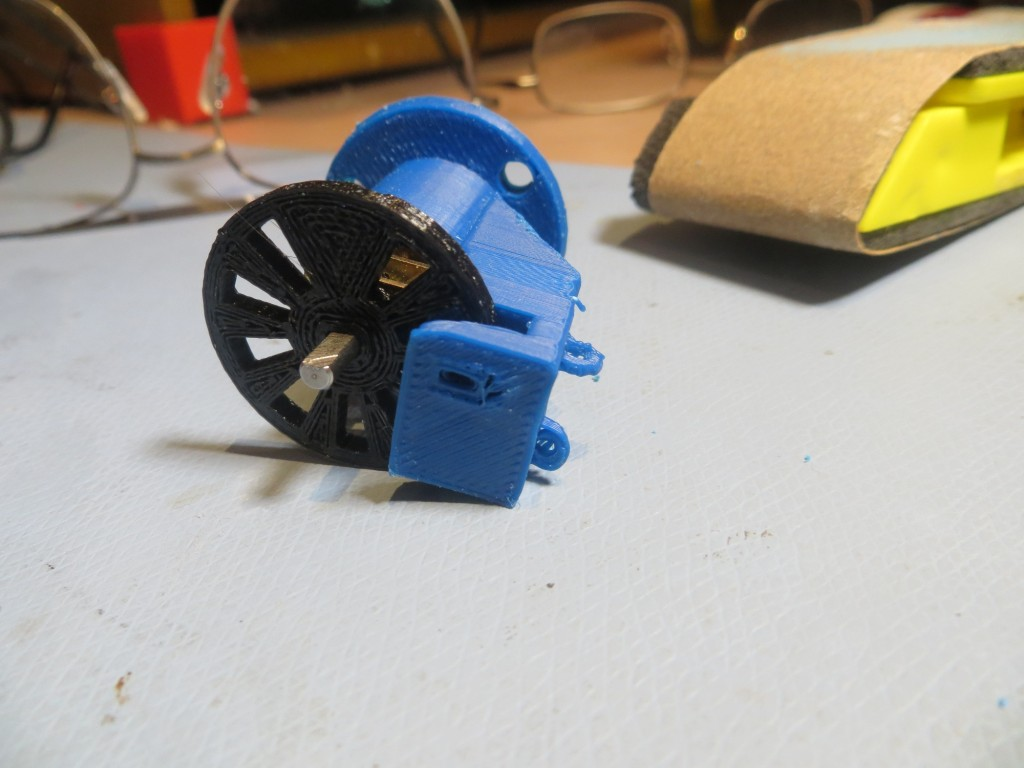 Miniature DC motor mount, with tach sensor attachment, top view