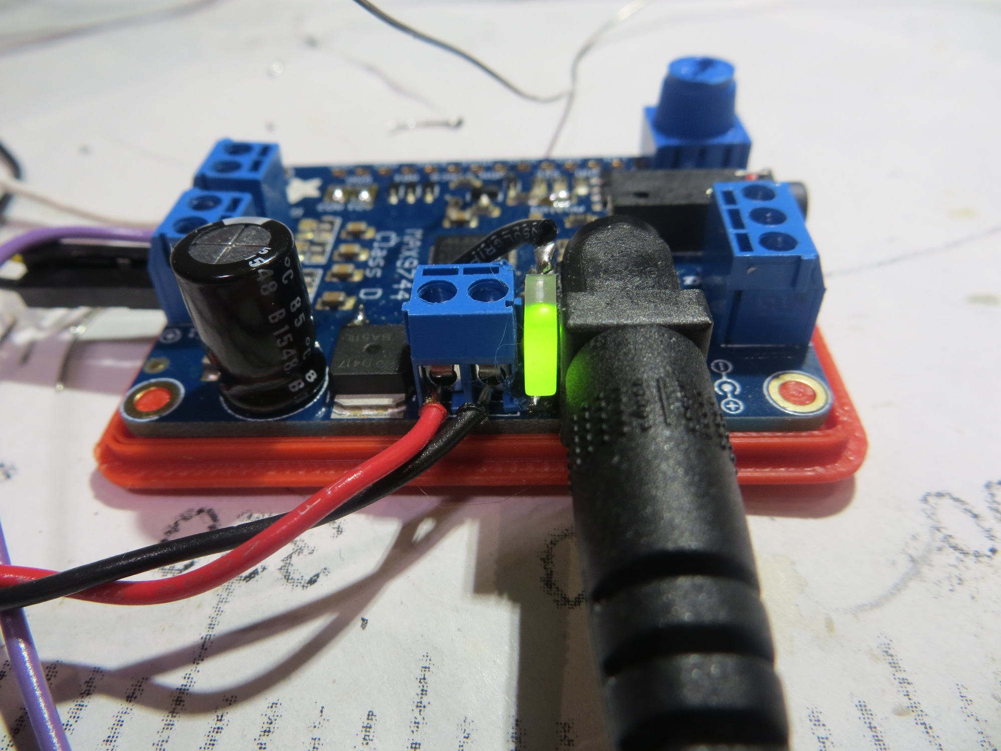 Power ON indicator LED installed between power input jack and external power screw terminals